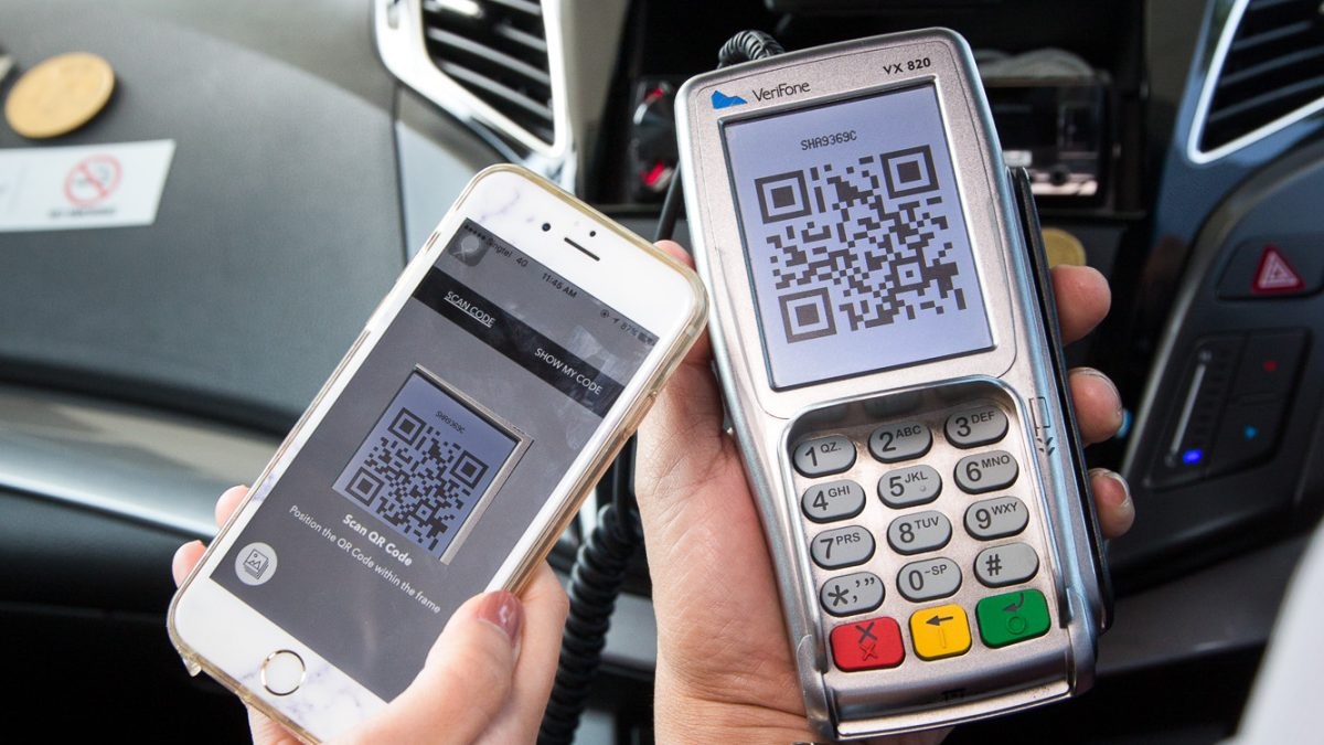 DBS-payment-cashless-paylah-taxis-singapore